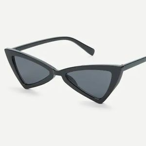 Accessories - 436-Triangle Design Sunglasses